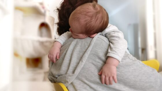 Od kdy má dítě začít spát samo ve svém pokoji?
